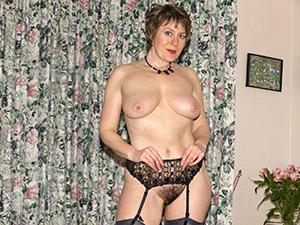 Amateur older women with big boobs