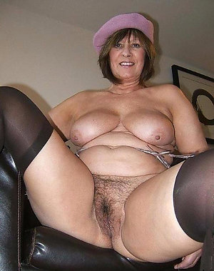 Naked sexy older women pic
