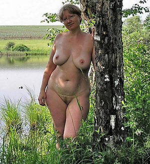 Magnificent sexy mature women pictures
