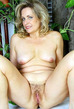 Unexperienced mature slut pussy