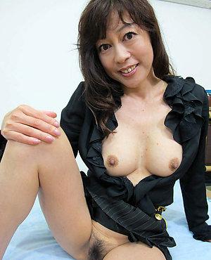 Amateur mature pretty asian ladies