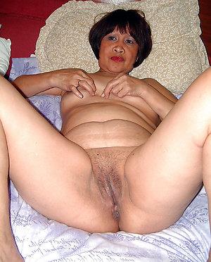 Busty asian women porn pics