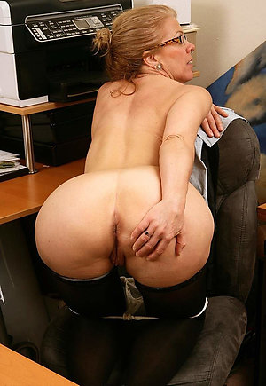 Beautiful mature butt fucked