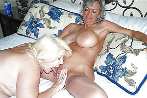 Private mature lesbian seduction pics