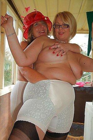 Free mature lesbians pics
