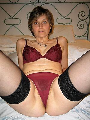 Erotic matures in lingerie pics