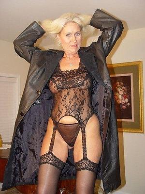 Free hot older lady in lingerie