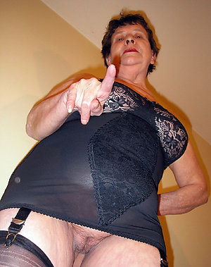 Xxx mature mom in sexy lingerie