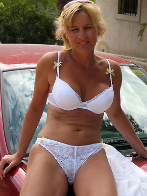 Porn pics of hot mature lingerie