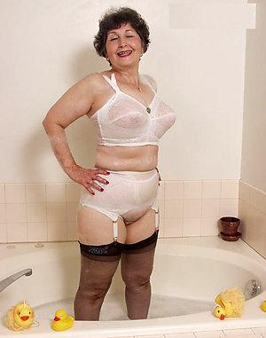 Xxx lingerie mature porn pictures