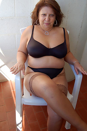 Xxx mature wife in sexy lingerie pics