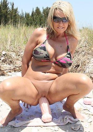 Gorgeous Ann mature masturbation