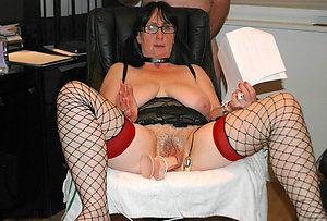 Porn pics of mature women masturbating