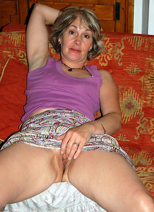 Real xxx amateur milf masturbation