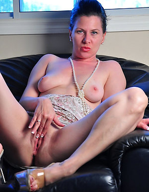 Private pics of hot mature masturbation