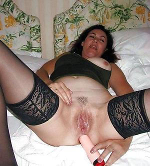 Sweet amateur hot mature women masturbating