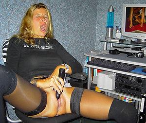 Slutty mature amateur masturbating pictures