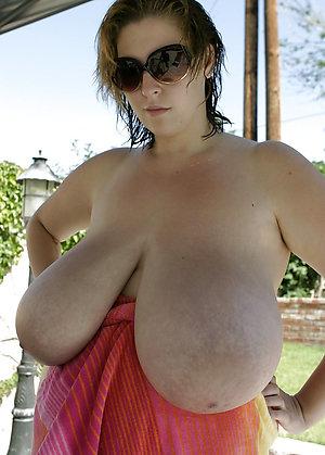Amazing nude mature moms pics