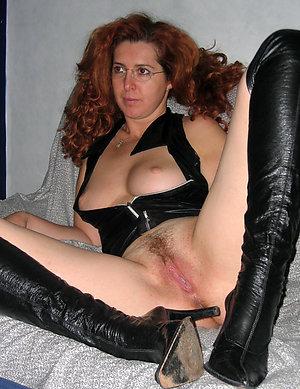 Amazing mature moms fucking sex pics