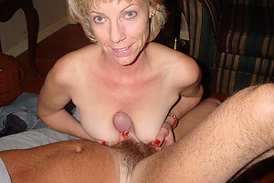 Amazing mature mom naked stripped