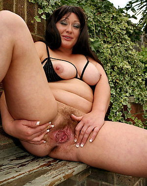Best pics of mature milf mom