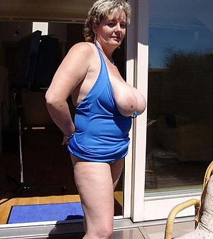Inexperienced sexy mature mom gallery