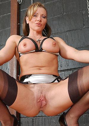 Natural big nipple milfs pics