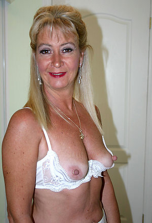 Amateur pics of mature women with huge nipples