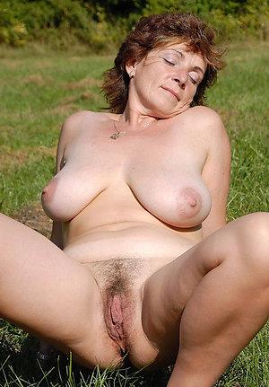 Xxx women nude outdoors amateur pictures