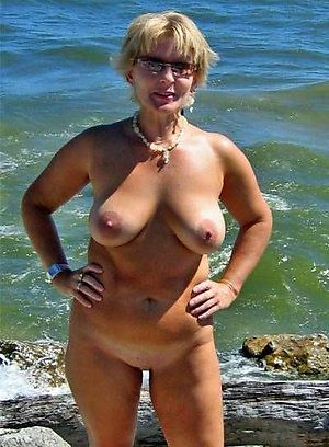 Sexy mature natural boobs love porn