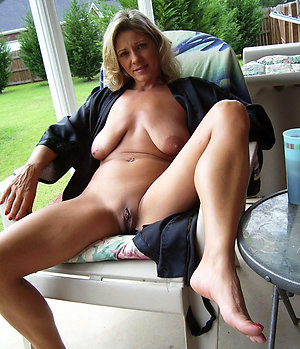 Xxx horny mature outdoor pictures