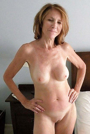 Busty Joanna mature naked pics