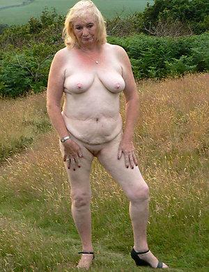 Xxx amateur old naked women