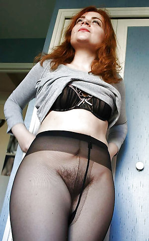 Horny Darla lady in pantyhose photos