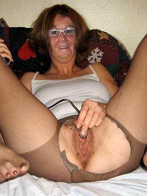 Nice amateur matures in pantyhose