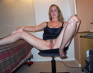 Hotties mature pantyhose porn photo