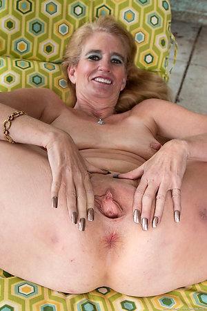 Handsome mature pussy sex pics