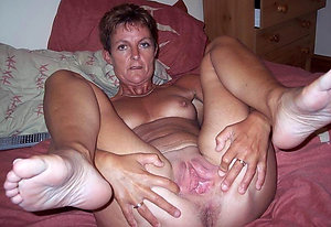 Wet pussy old women porn pictures