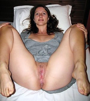 Amazing mature hairy pussy pics