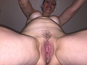 Naked mature wet pussy amateur pics
