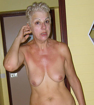 Crazy mature moms with saggy tits