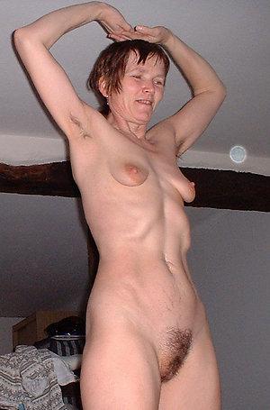 Homemade pics of mature saggy tit porn