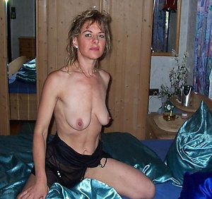 Xxx mature women with sexy saggy tits
