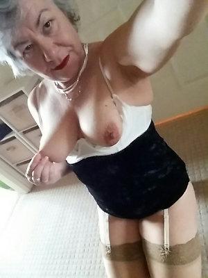 Pretty mature sexy selfies photos