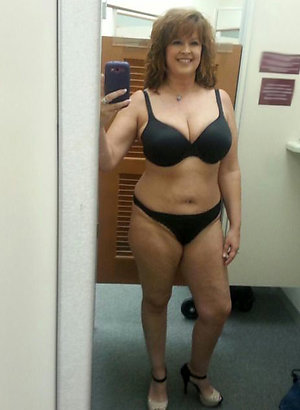 Pretty pictures of sexy selfies mature