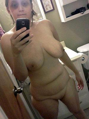 Naked selfshot mature masturbation