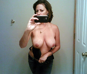 Mature stripped sexy selfies pictures