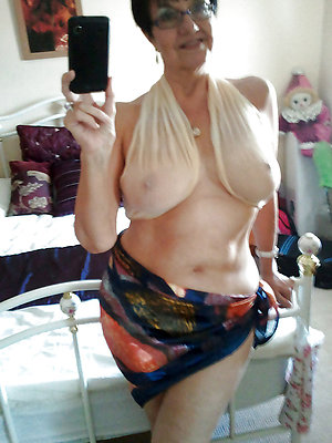 Xxx old lady sexy selfies pictures