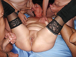 Inexperienced husband and wife having sex