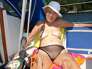 Busty mature women in panties pictures